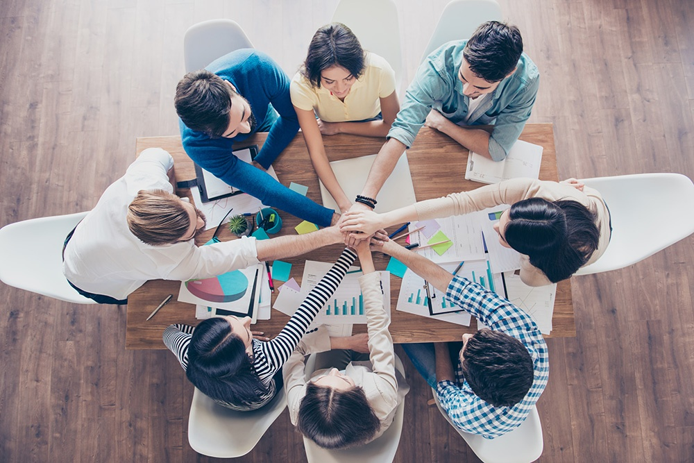 team work to help your business grow